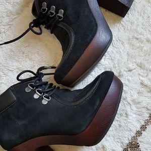 Black Lucky Brand suede heels NWOT